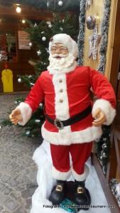 Nikolaus auf dem Weihnachtsmarkt Aschaffenburg