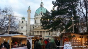 Adventsmarkt am Karlsplatz in Wien